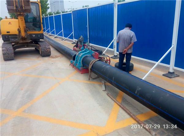 100级pe给水管厂家施工现场